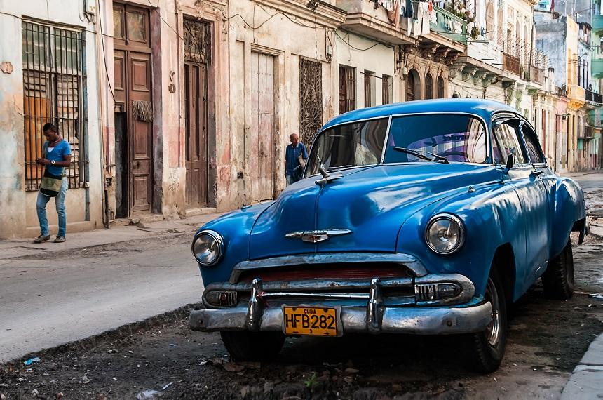 Classic car in Centro Havana