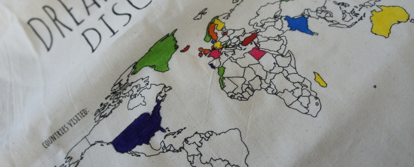 Wereldkaart Zelf Inkleuren.Reisgoesting Katoenen Tas Colour Your World Reisgoesting