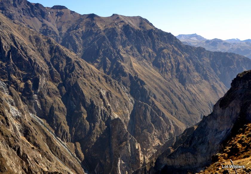 De scherpe vallei bij Cruz del Condor geeft perfect de scherpte van de Andes weer. En zijn pracht.