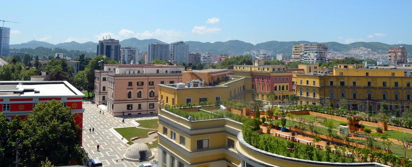 stad en strand in albanië